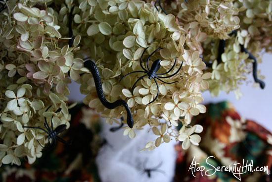 snakesspidershydrangeacenterpiece