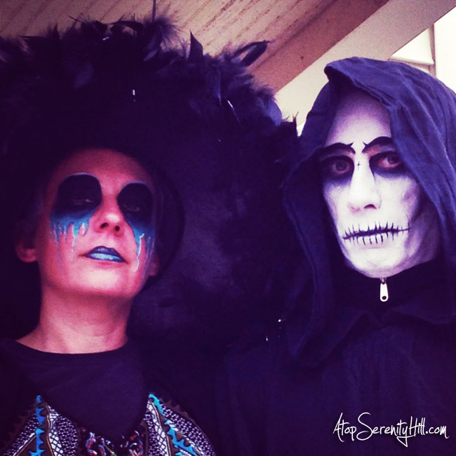 Creepy face painting for Halloween • AtopSerenityHill.com #facepainting #halloween #skull