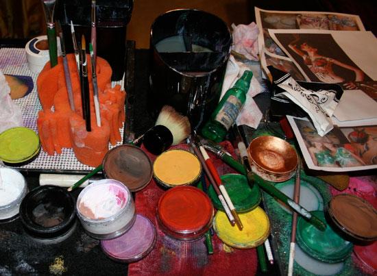 face_paint_supplies