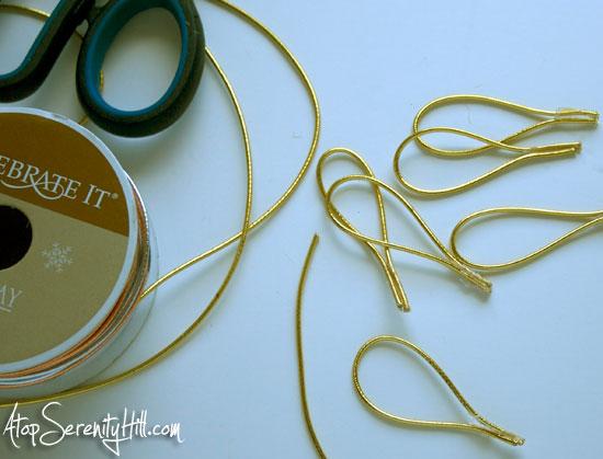 gold_ribbon_loops